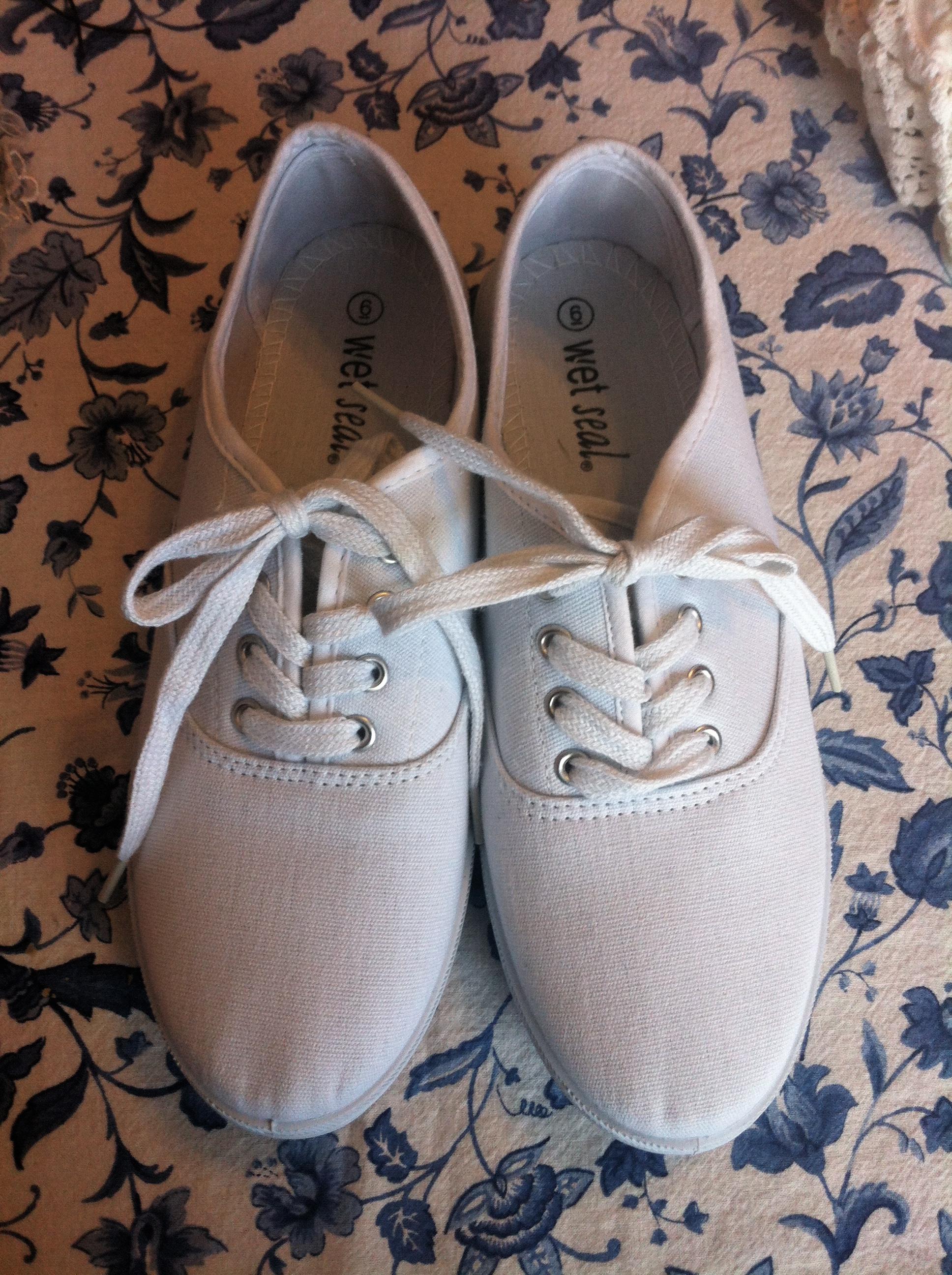 649521fff41c62 DIY Wedding Shoes